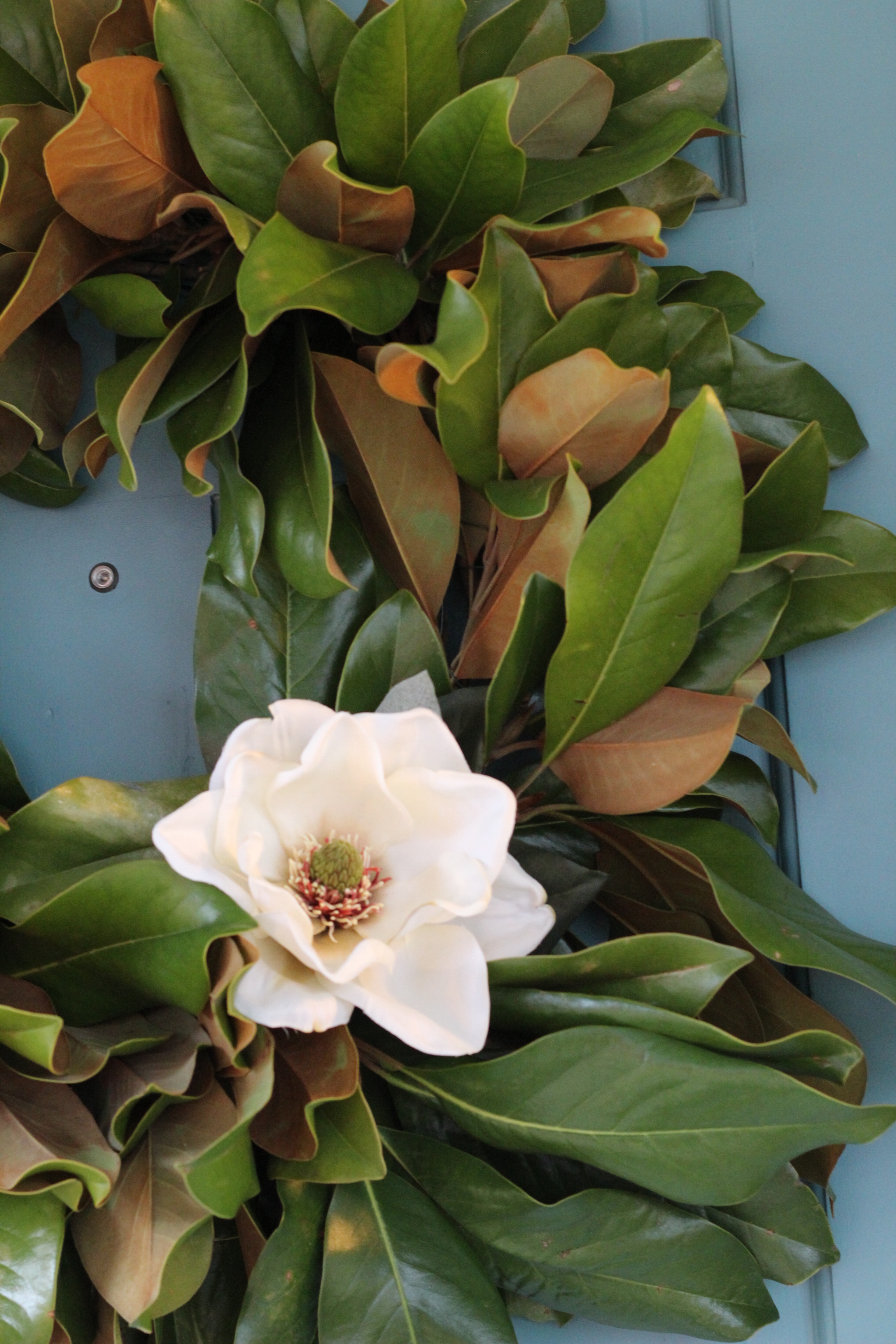 Magnolia Wreath Like The One On Fixer Upper Lasso The Moon