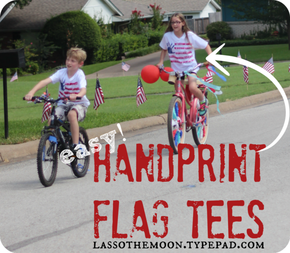 Make these handmade hand print tee shirts in only 10 minutes  from lassothemoon blog