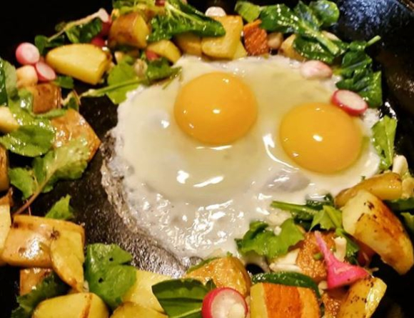 Eggs and veggie skillet